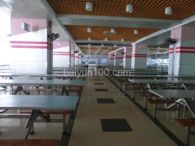 学校饭堂,还有一个饭堂在珠江公寓生活区