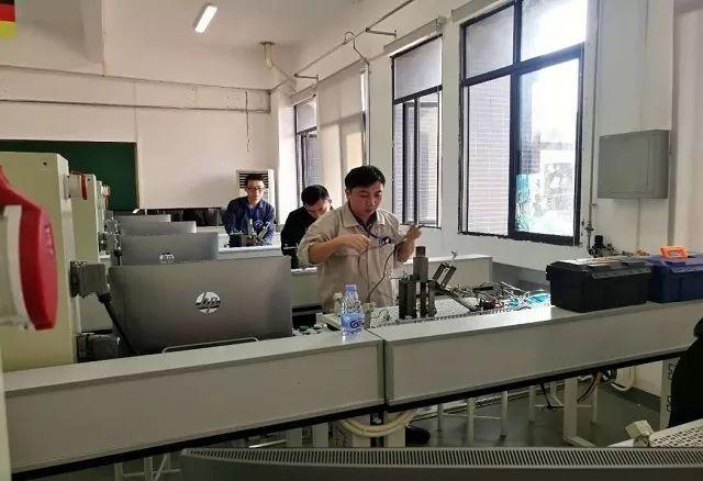 [喜讯] 江门市技师学院教师在2018 年第四届广东省技工院校教师职业能力竞赛中勇夺佳绩