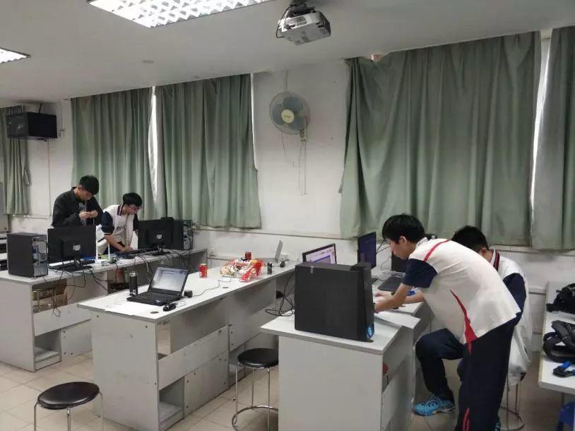 喜讯:信息系学生获市计算机组装组网比赛一等奖!