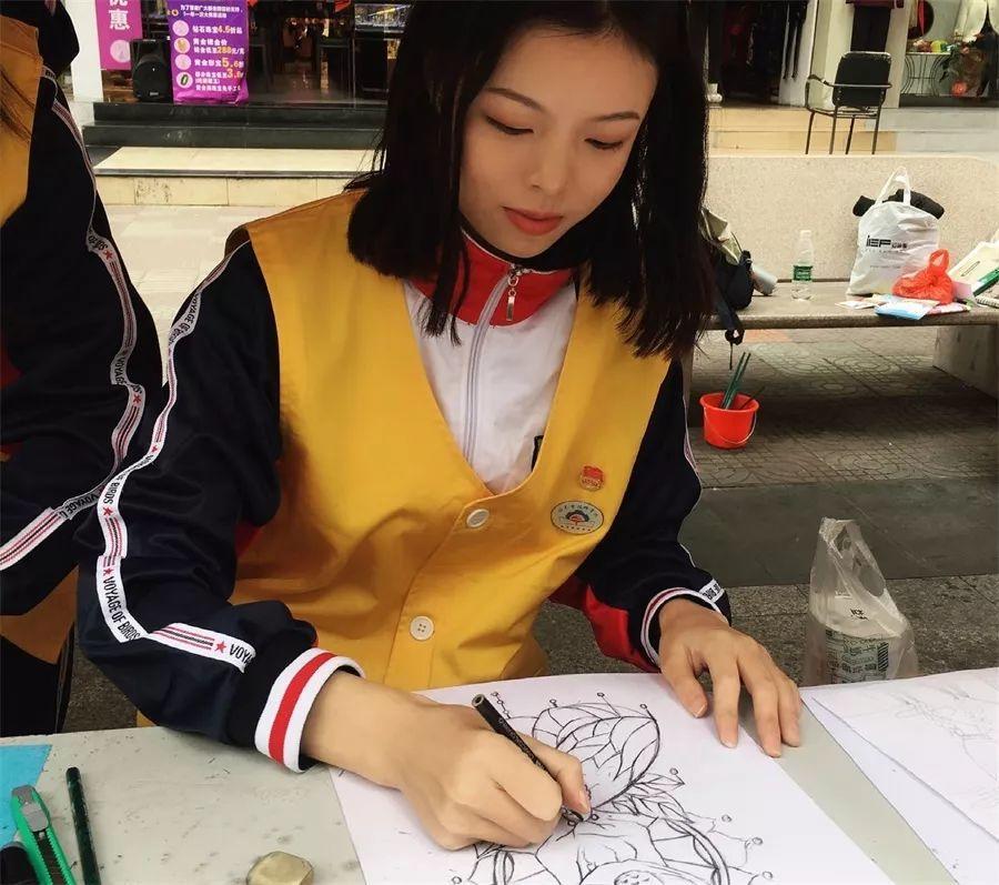 纯粹而认真的黄婉倩——信息技术产业系优秀学生专访