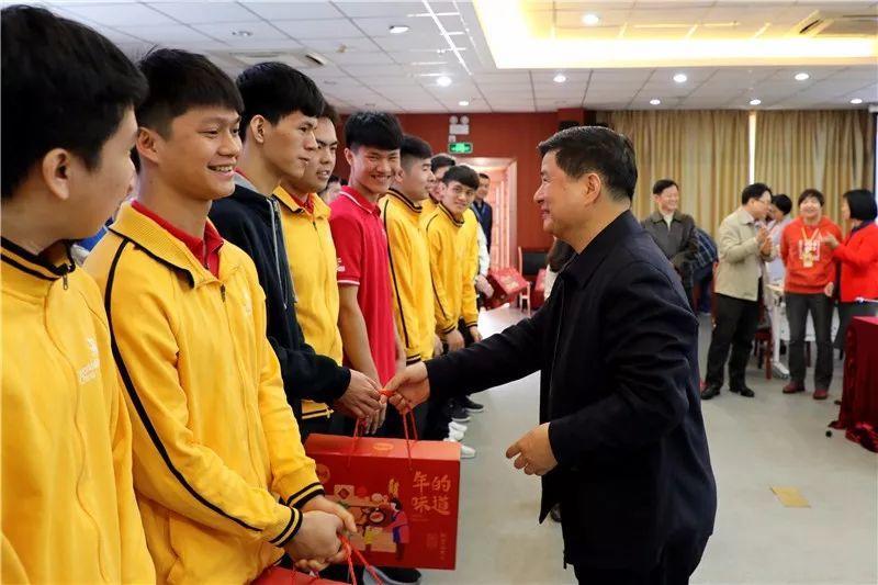 坚持决战意识 打好接下来每场硬仗——广州工贸召开第45届世赛集训工作座谈会